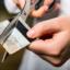 должники по кредитным картам