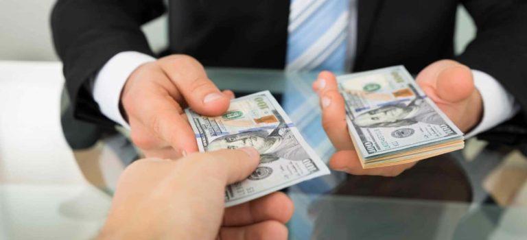 Как получить деньги взаймы без поручителей?